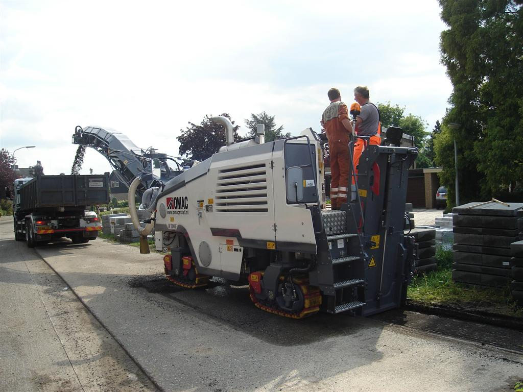 Nieuwe asfaltfrees is in bedrijf genomen